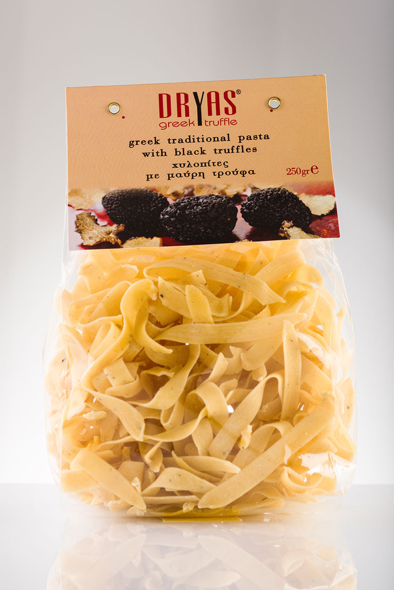 Traditional pasta with black truffle